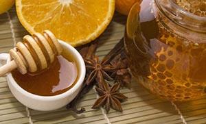 8 σπιτικά «σιρόπια» για το βήχα και τον πονόλαιμο