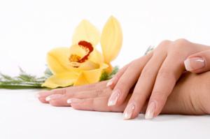 Δώστε ένα «τέλος» στα σπασμένα ή ξεφλουδισμένα νύχια!