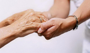 Γραμμή Ζωής, σταθερά δίπλα στους ηλικιωμένους