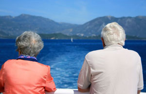 Huffington: Οι Έλληνες διδάσκουν 5 «μαθήματα» μακροζωίας