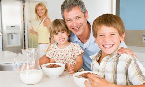 Κάντε το πρωινό γεύμα… υγιεινή συνήθεια των παιδιών σας