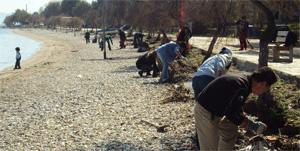 Καθαρισμοί ακτών στα νότια προάστια της Αθήνας