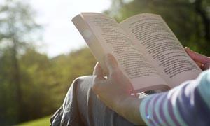 Βιβλιοθεραπεία: Όταν οι γιατροί συνταγογραφούν βιβλία