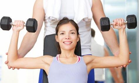 3 ασκήσεις γυμναστικής για όμορφο στήθος