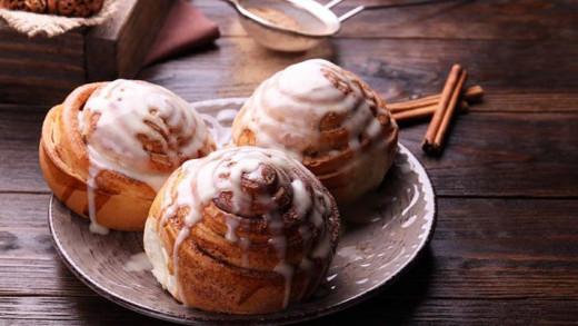 Αφράτα cinnamon rolls