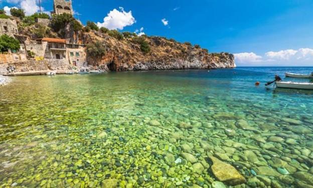 Αλύπα - μια μαγευτική παραλία με κρυστάλλινα νερά