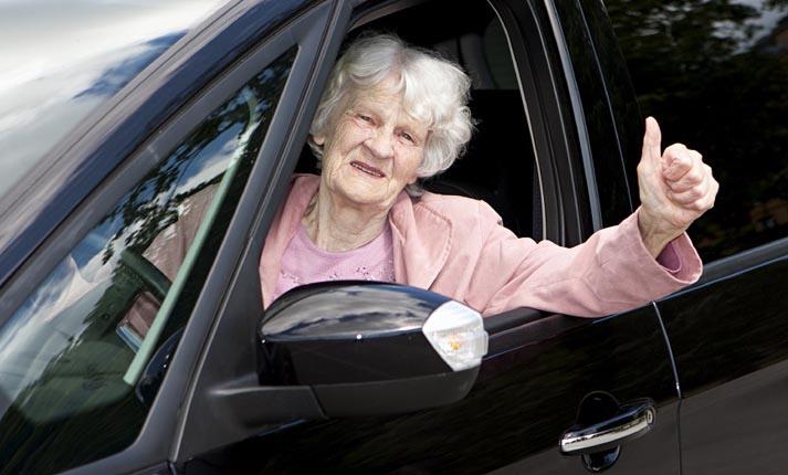 Ανανέωση άδειας οδήγησης για πολίτες άνω των 80 ετών