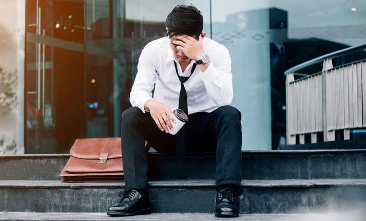 Ανεργία και Ψυχολογία: Tips για να μην σας πάρει από κάτω