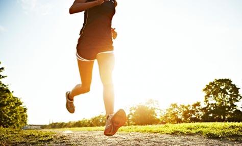 Άσκηση στη ζέστη: πώς να μείνετε σε φόρμα το καλοκαίρι