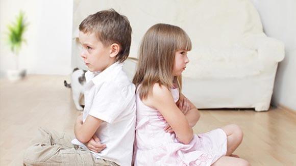 Αυτές είναι οι φράσεις που δεν πρέπει να πούμε ποτέ στα παιδιά μας και γιατί