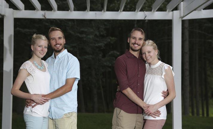 Δίδυμοι αδερφοί παντρεύονται δίδυμες αδερφές και θα μείνουν στο ίδιο σπίτι!