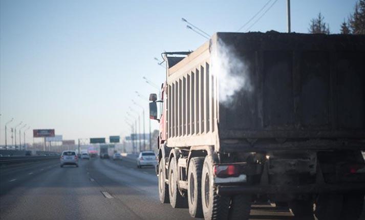 Ε.Ε.: Συμφωνία μείωσης 30% των εκπομπών διοξειδίου του άνθρακα από τα φορτηγά
