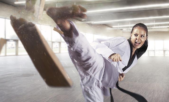 Είναι υπέροχο να ασκείται μία γυναίκα στις πολεμικές τέχνες!