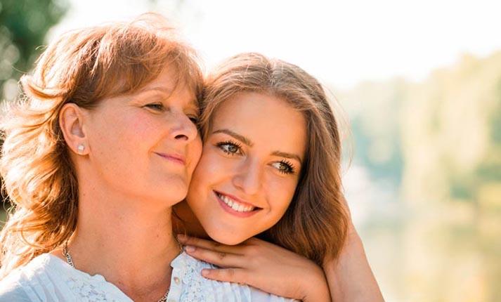 Είσαι φίλη με τη μητέρα σου ή νομίζεις ότι είστε;