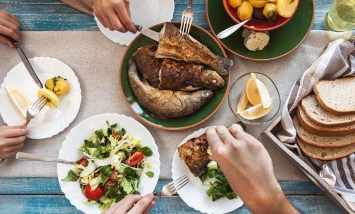 Έρευνα σοκ αποδεικνύει ότι όλοι τρώμε… πλαστικό!