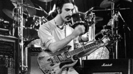 frank_zappa_o_idiofuis_mousikos_featured