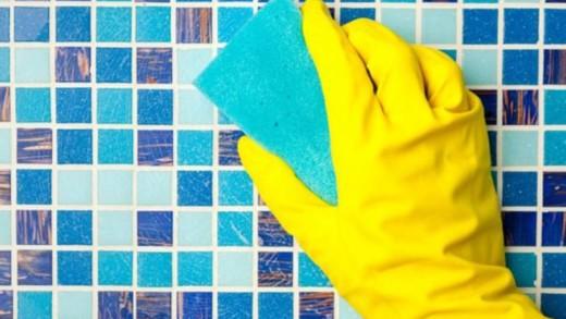 Φτιάξτε μόνοι σας καθαριστικό για πλακάκια