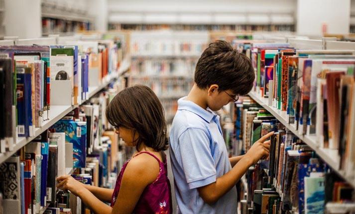 Γιατί είναι σημαντικό για τα παιδιά να διαβάζουν λογοτεχνικά βιβλία; -  Flowmagazine