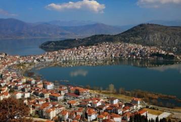 Γιατί να επισκεφθείτε την πανέμορφη Καστοριά