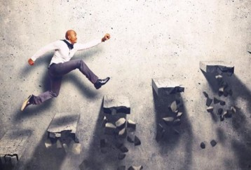 Γιατί οι άνθρωποι υπερεκτιμούν την τύχη όταν αναφέρονται στις επιτυχίες των άλλων;