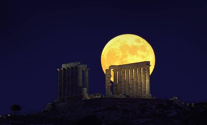 Γιορτάζοντας την Αυγουστιάτικη Πανσέληνο ανά την Ελλάδα