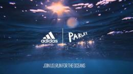 i_adidas_maxetai_enantia_sti_rupansi_ton_thalasson_featured