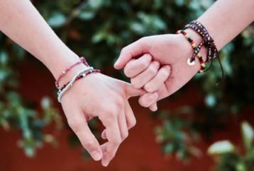 Η διαχρονική αξία της φιλίας. Μία λέξη γεμάτη «συναισθήματα»