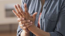 i_egairi_diagnosi_sotiria_gia_tin_arthritida_featured