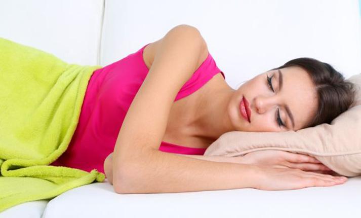 Η κατάλληλη στάση ύπνου για 9 διαφορετικά προβλήματα υγείας