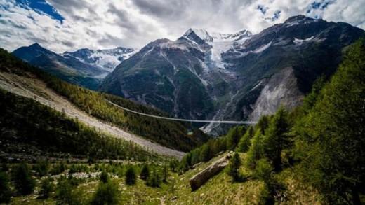 Η μεγαλύτερη πεζογέφυρα του κόσμου