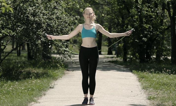 Η Νο1 άσκηση που επιβάλλεται να εντάξεις στο πρόγραμμά σου αν θέλεις να χάσεις άμεσα βάρος
