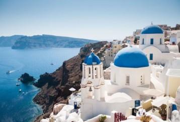 Η Σαντορίνη ψηφίζεται ως το καλύτερο νησί της Ευρώπης για 5η συνεχόμενη χρονιά