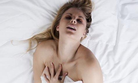 κάνοντας ένα θηλυκό γυναικείος οργασμός Teen μαμά δόση πορνό