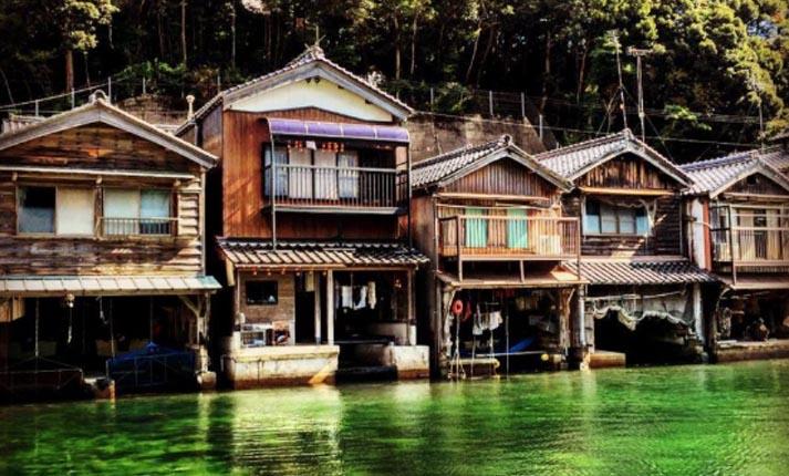 «Η Βενετία της Ιαπωνίας»: Το μαγευτικό χωριό που είναι χτισμένο πάνω στο νερό!