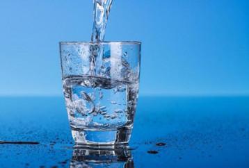 H χορτοφαγική διατροφή μειώνει στο μισό την κατανάλωση νερού για την παραγωγή τροφίμων