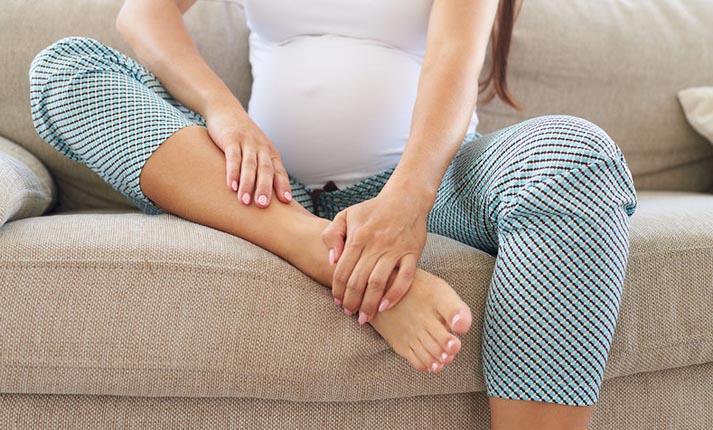 Κατακράτηση υγρών: Όλες οι πιθανές αιτίες και πώς θα την αντιμετωπίσετε