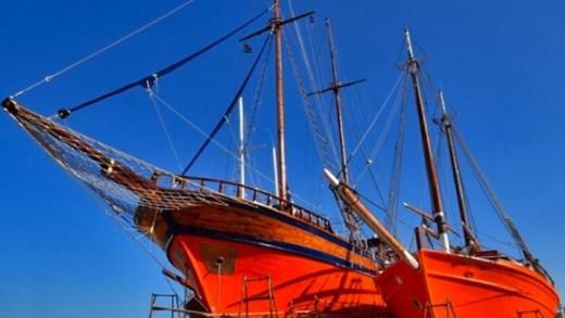Καταξίωση και σωτηρία για τα παραδοσιακά ξύλινα αλιευτικά σκάφη με Απόφαση της Μυρσίνης Ζορμπά