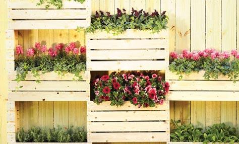 Ξύλινες γλάστρες για την βεράντα και τον κήπο