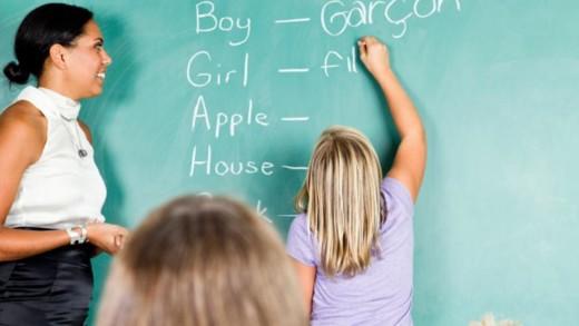 Με ποια κριτήρια να επιλέξουν οι γονείς φροντιστήριο ξένων γλωσσών για τα παιδιά τους;
