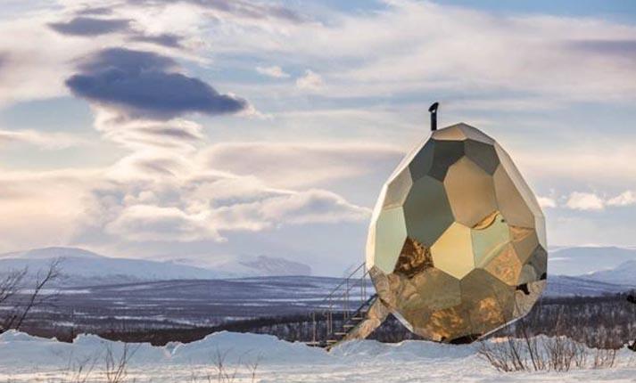 Μία μοντέρνα σάουνα σε σχήμα γιγαντιαίου αυγού