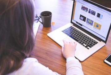 MOOCs: Πόσα εκπληκτικά μπορεί να μάθει κανείς δωρεάν μέσα στο σπίτι του