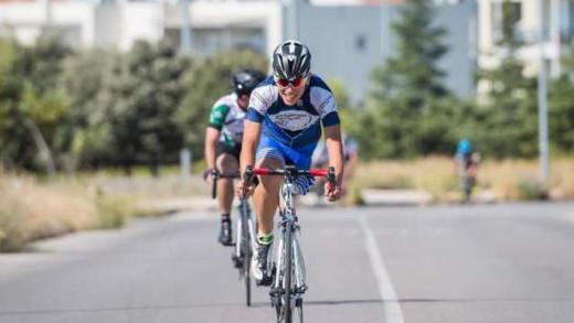 Νίκος Παπαγγελής: Ο Έλληνας ποδηλάτης με το ακρωτηριασμένο πόδι που σαρώνει τα μετάλλια