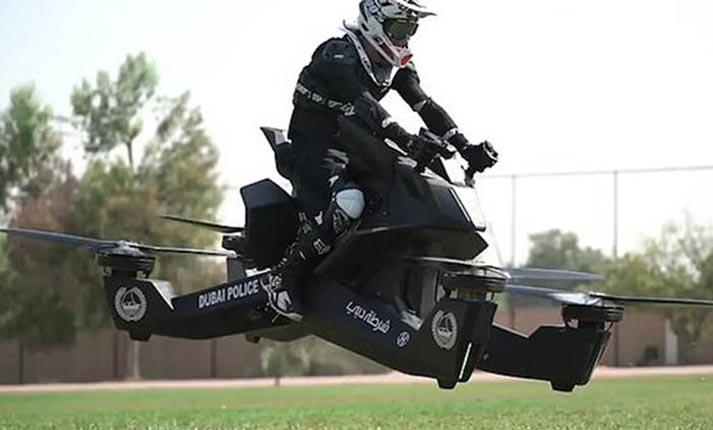 Ντουμπάι: Ξεκίνησε η εκπαίδευση αστυνομικών για το χειρισμό ιπτάμενων μοτοσυκλετών!