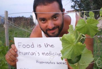 Ό Έλληνας νεαρός επιστήμονας που κατάφερε να θησαυρίσει μαζεύοντας άγρια χόρτα από το βουνό