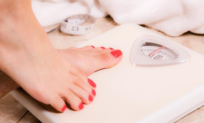 Ο κίνδυνος από το συχνό ζύγισμα. Η συχνότητα που πρέπει να χρησιμοποιούμε τη ζυγαριά στις δίαιτες