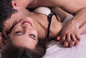 Οι κατάλληλες στάσεις για στοματικό έρωτα στη γυναίκα