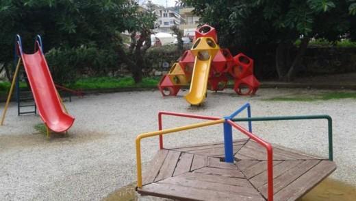 Οι κίνδυνοι που κρύβουν οι παιδικές χαρές