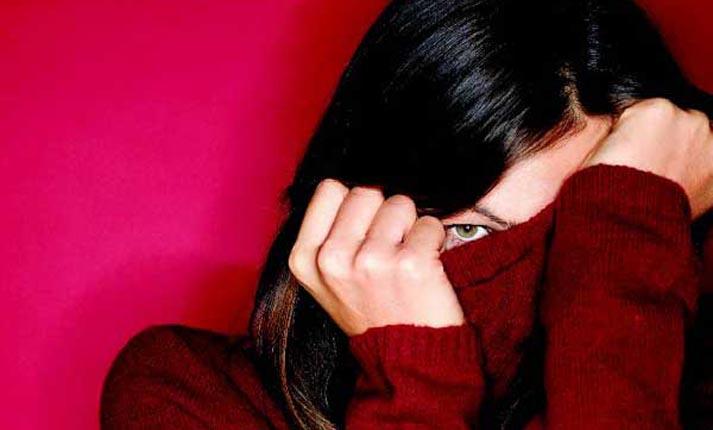 «Όποιος ντρέπεται, κακά ζει». Πώς η ντροπαλότητα είναι εμπόδιο στην επίτευξη στόχων;