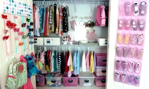 Οργανώστε την τέλεια παιδική ντουλάπα
