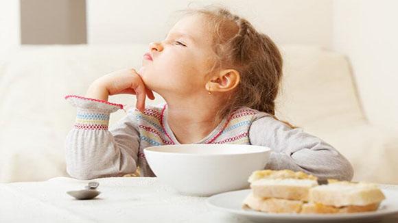 Παιδιά που παραλείπουν το πρωινό, κινδυνεύουν από υποσιτισμό